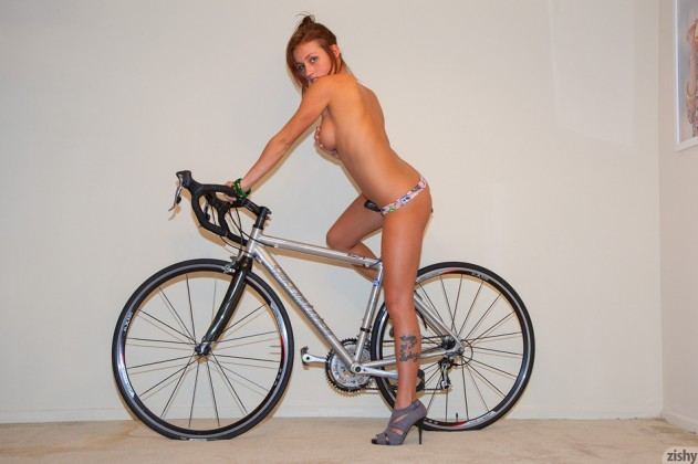 Victoria Lynn – Zishy 2